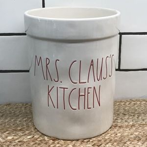NWT Mrs. Claus's Kitchen Canister